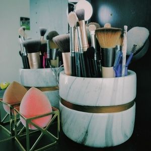 Brush + sponge holder set